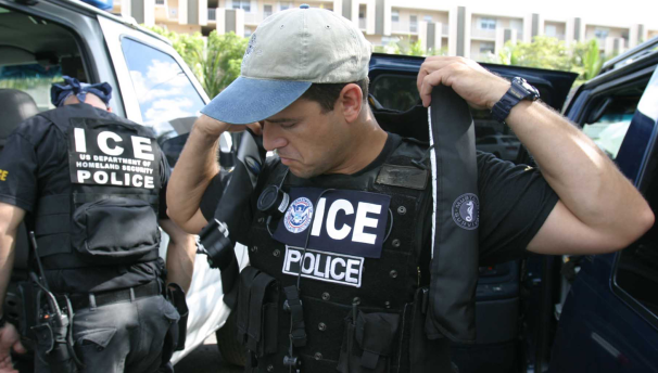 POLITICS-Immigration3